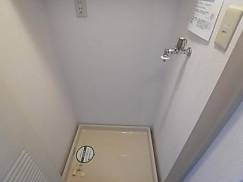 参考写真:洗濯機置場(類似タイプ)