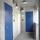 ドアや設備のカラーは階ごとに異なります