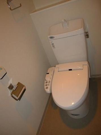 ★温水洗浄機能付きのトイレ★