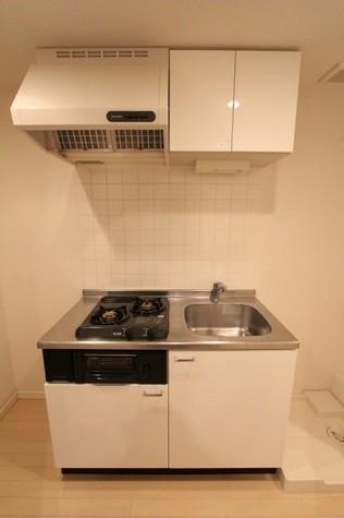 参考写真:キッチン(9階・反転タイプ)