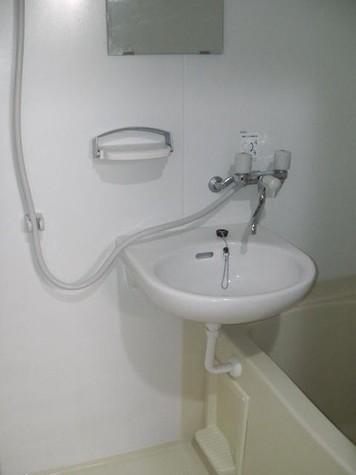 洗面台・浴室乾燥機付き