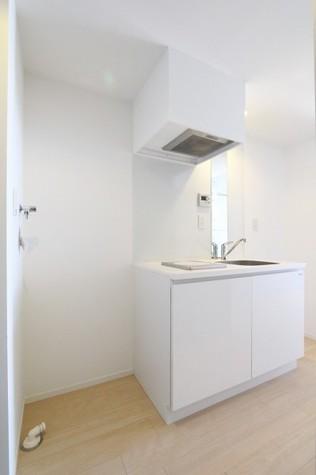 参考写真:洗濯機置場・冷蔵庫場(4階・別タイプ)