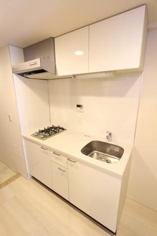 参考写真:キッチン(2階・別タイプ)