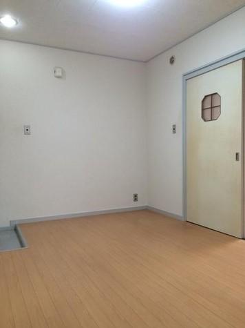 キングスコート / 1階 部屋画像7