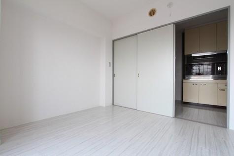 参考写真:洋室~ダイニング(9階・別タイプ)