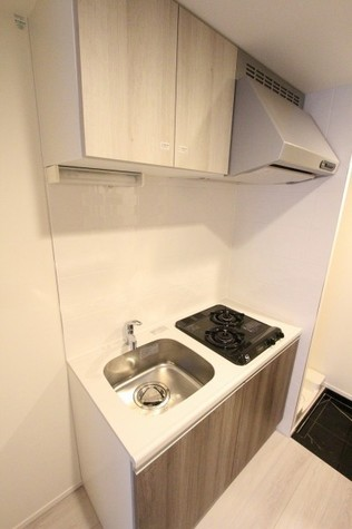 参考写真:キッチン(1階・別タイプ)