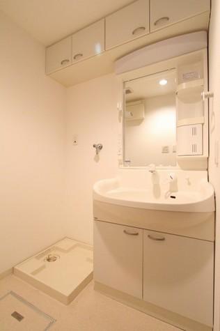 参考写真:洗面・脱衣室(7階・別タイプ)