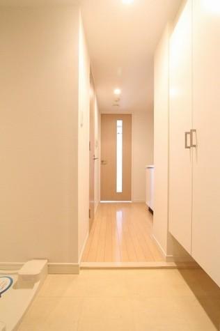 参考写真:玄関・廊下(10階・反転タイプ)
