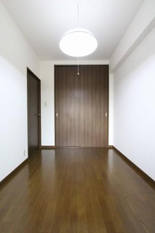 参考写真:6帖洋室(1階・別タイプ)