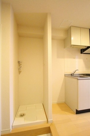 参考写真:洗濯機置き場(9階・類似タイプ)