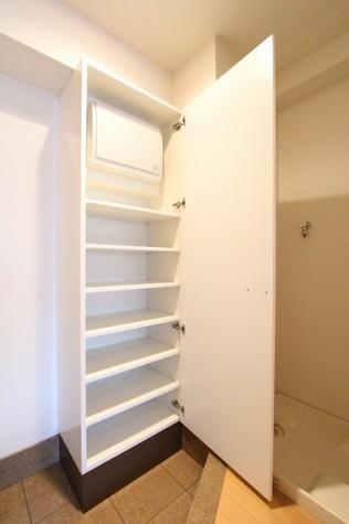 参考写真:下足入れ(6階・別タイプ)