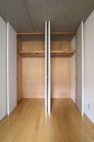 参考写真:クローゼット(1階・別タイプ)