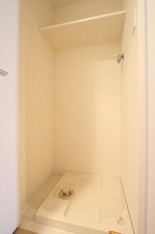 参考写真:洗濯機置場(3階・別タイプ)