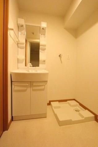 参考写真:洗面・脱衣室(6階・類似タイプ)