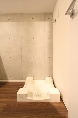参考写真:洗濯機置き場(2階・類似タイプ)