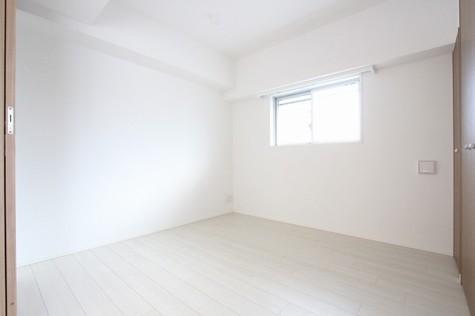 参考写真:5帖洋室(7階・別タイプ)