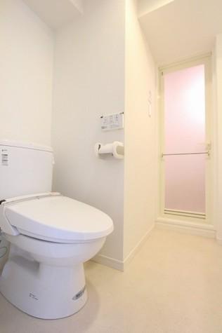 参考写真:トイレ(5階・別タイプ)
