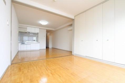 参考写真:洋室~リビング(5階・反転タイプ)