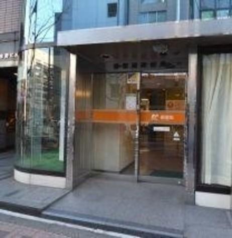 赤坂通郵便局まで80m