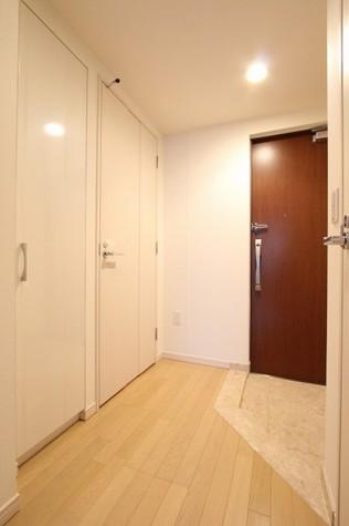 参考写真:廊下(9階・別タイプ)