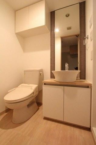 参考写真:サニタリールーム(4階・別タイプ)