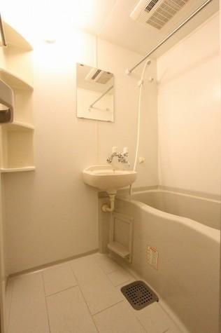 参考写真:浴室(11階・同タイプ)
