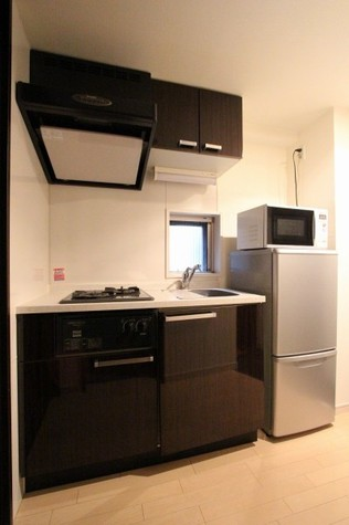 参考写真:キッチン(4階・反転タイプ)