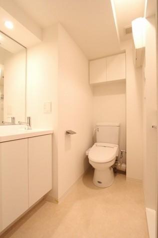 参考写真:サニタリールーム(8階・類似タイプ)