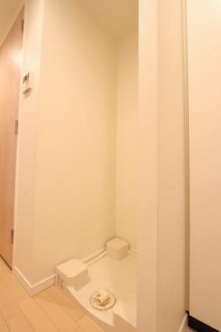参考写真:洗濯機置場(2階・反転タイプ)