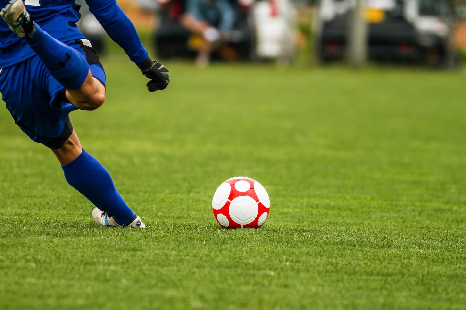 サッカー サイドハーフの役割を徹底解説