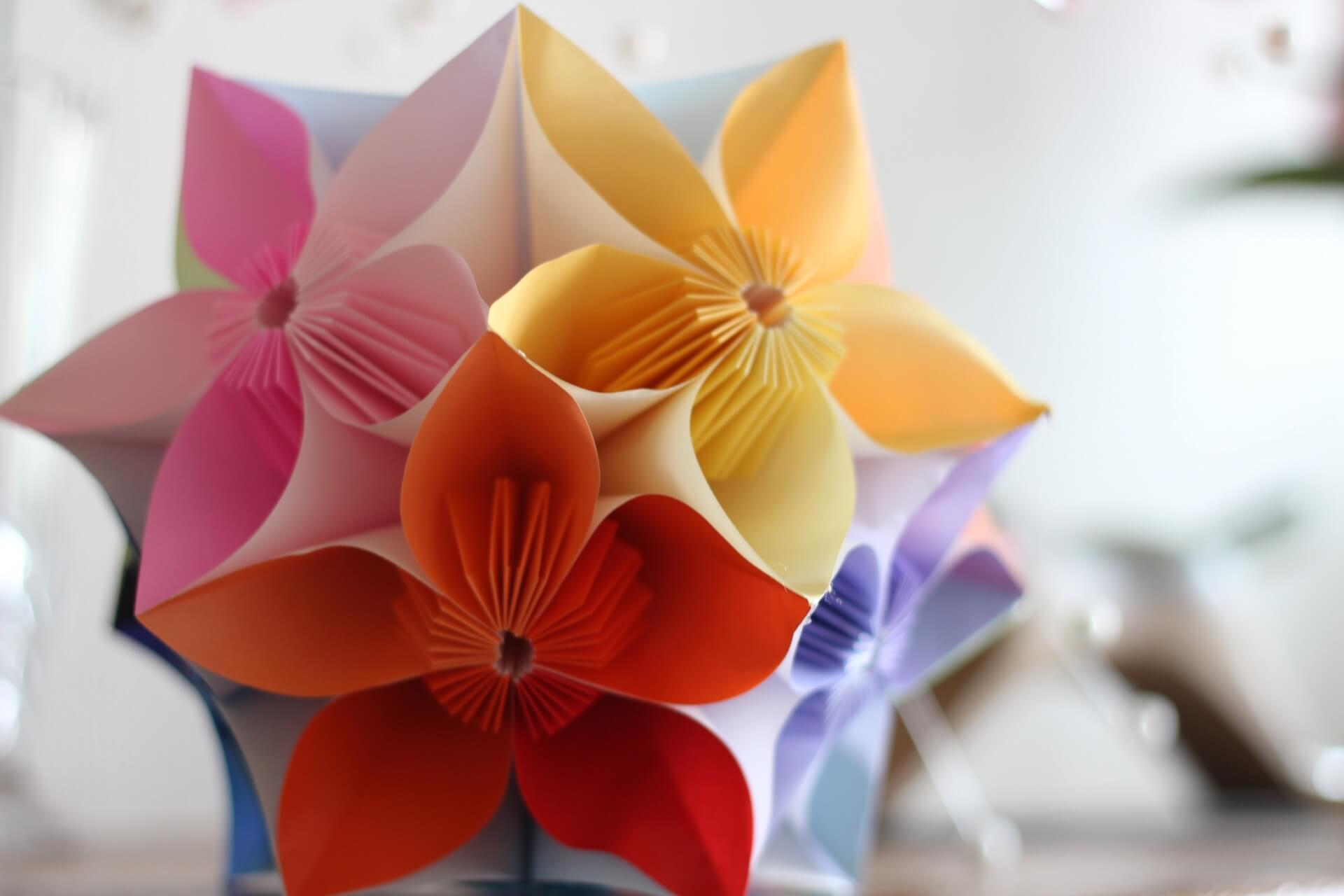 折り紙で飾り付けをして誕生日を華やかに!