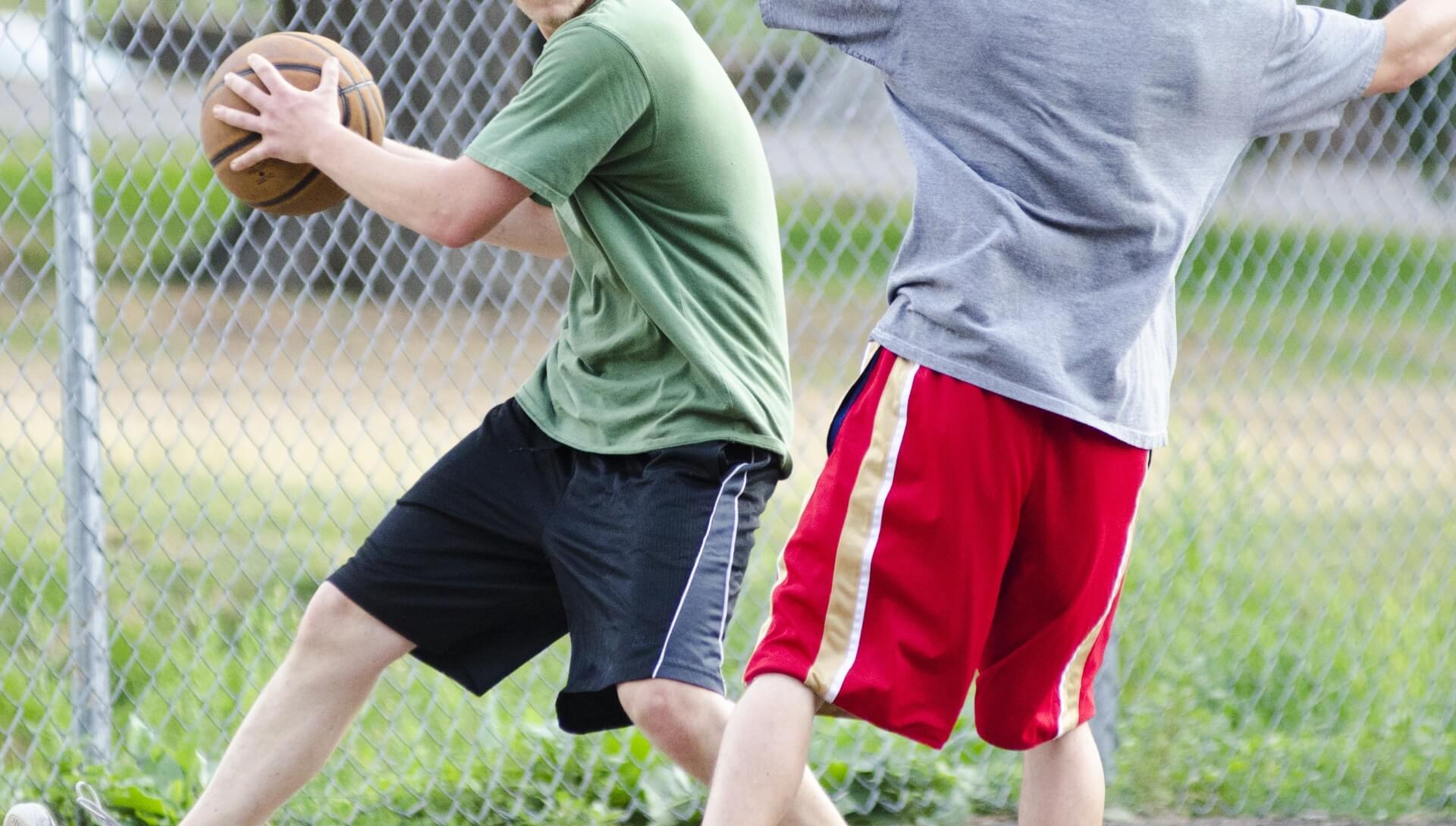 バスケで1対1になった時に使えるドリブル技とその練習法