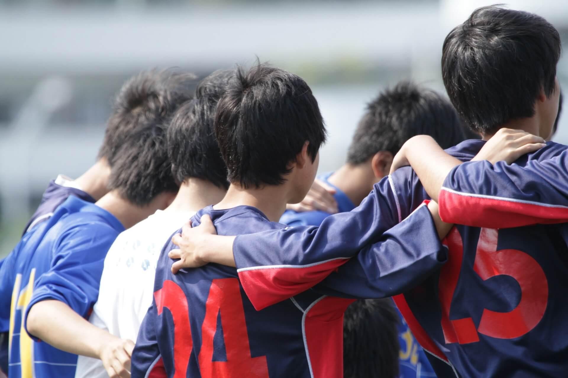 サッカーにおける背番号9番の意味とは