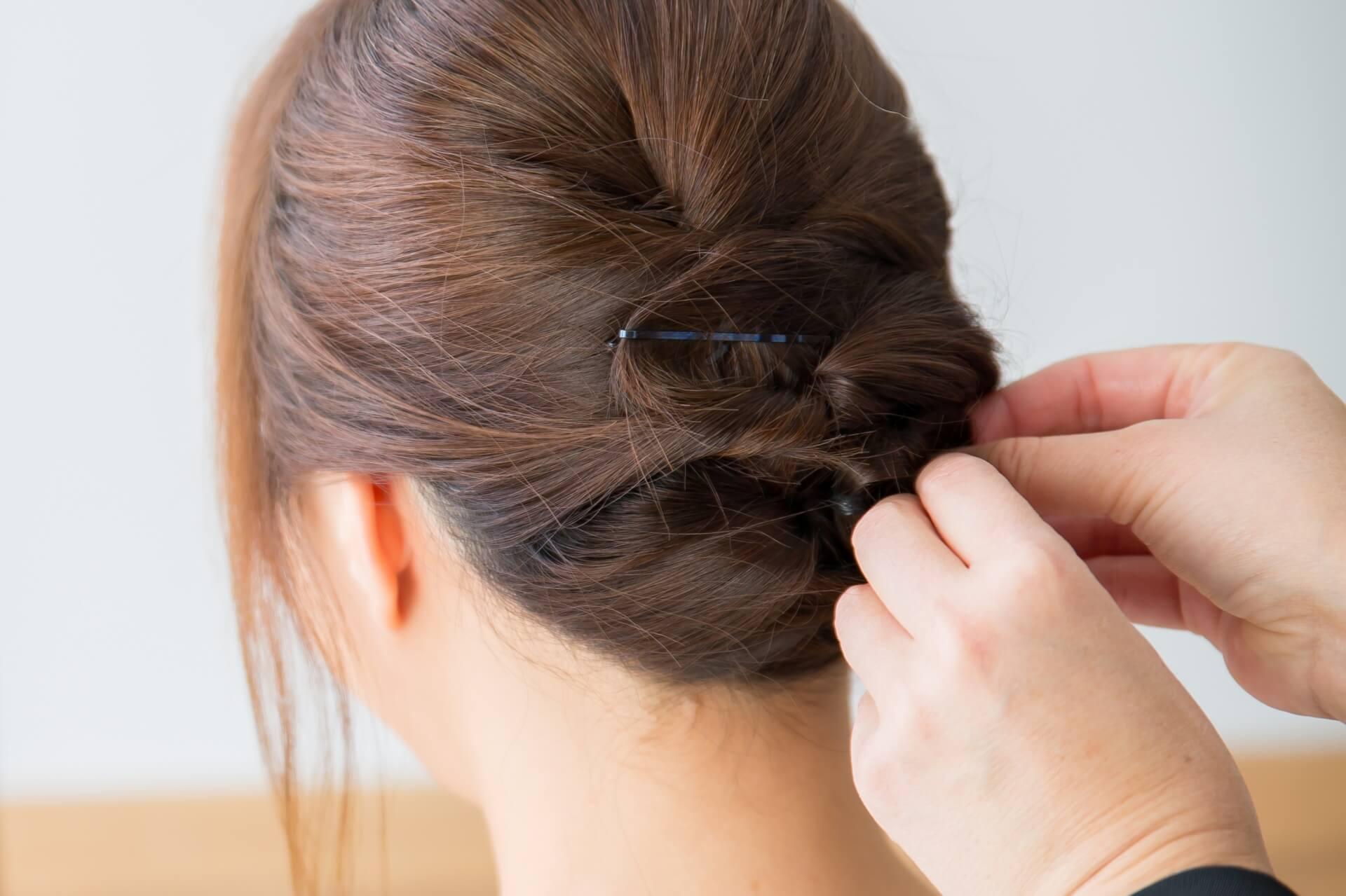 急なパーティーでもヘアスタイルをすぐに華やかにするコツ3つご紹介!