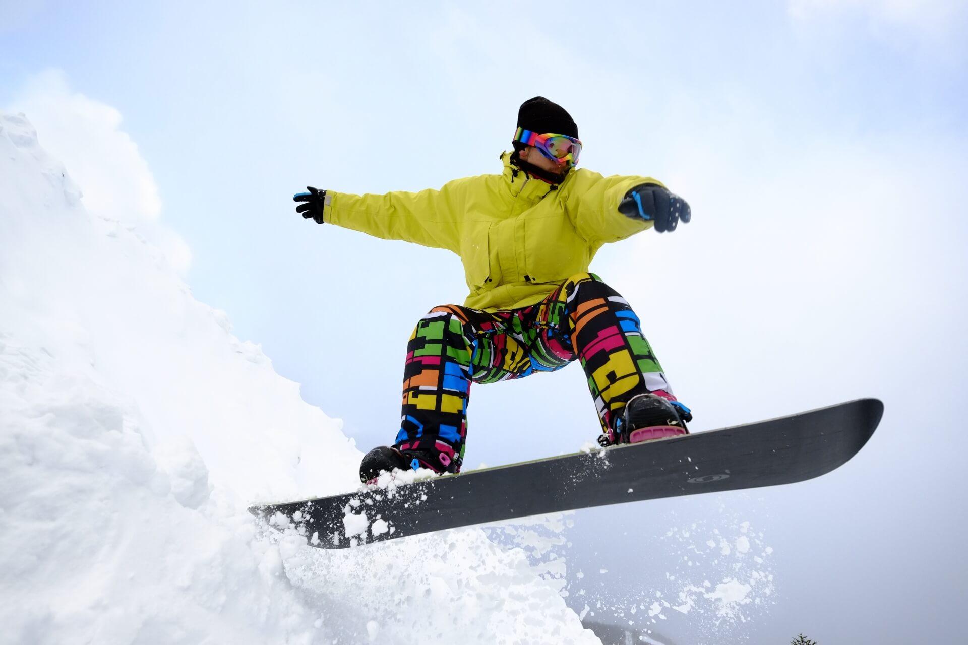 オシャレで寒くないスノーボードウェア