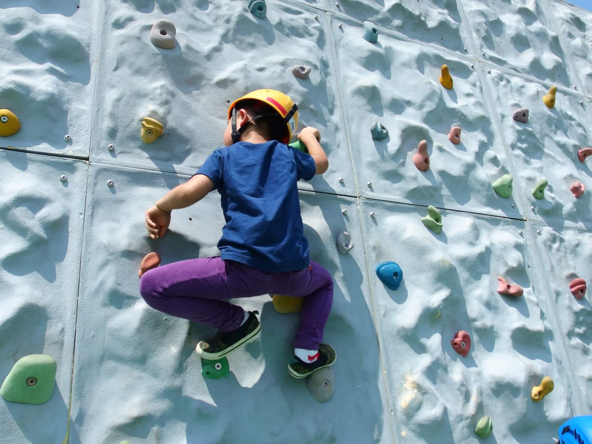 子供から大人まで楽しめる!横浜市内のボルダリングジム