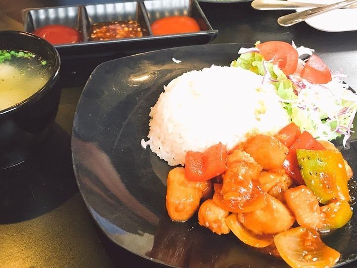 休憩や軽食にとっておきな若者向けレストラン:Vee Ayy Food