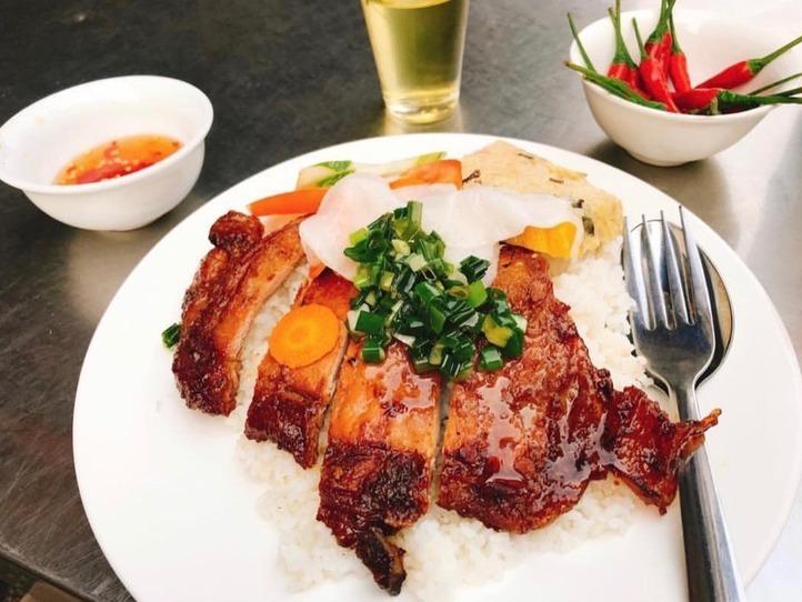 【インスタグラムから見る】ベトナムのローカル食堂「クアンコムビンヤン」