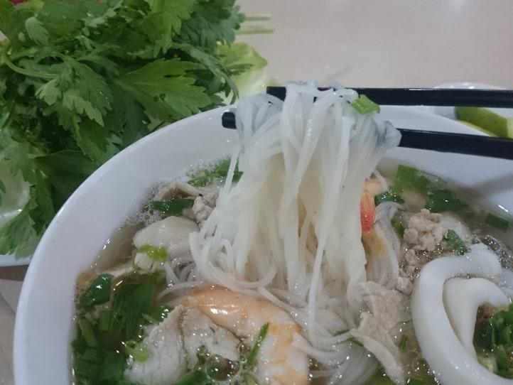あなたは汁あり派?汁なし派?ベトナム南部の代表麺料理「フーティウ」