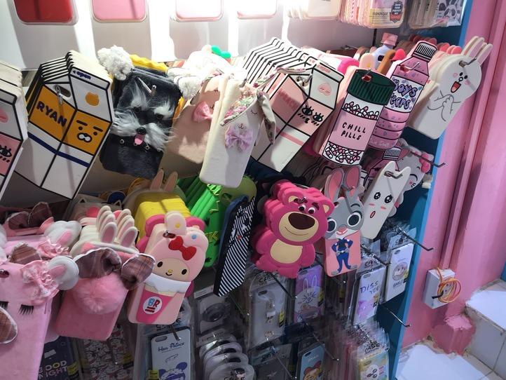 可愛いiPhoneケースを買うなら、Nguyen Trai 通りの専門店がおすすめ