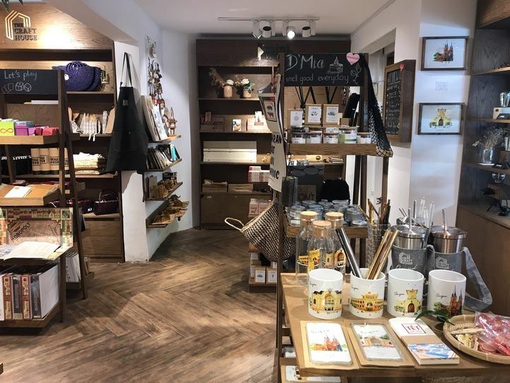 おしゃれなウッド調雑貨の宝庫!自分土産を買うならここ~The Craft House