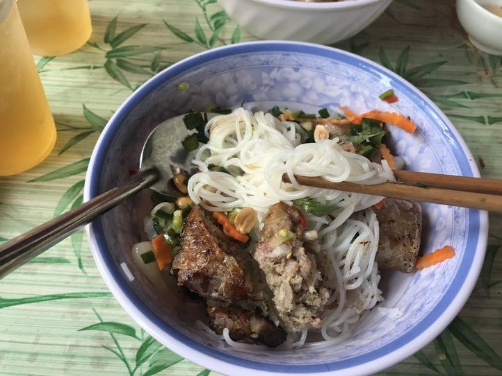 ホーチミンのおすすめベトナム麺料理、鍋