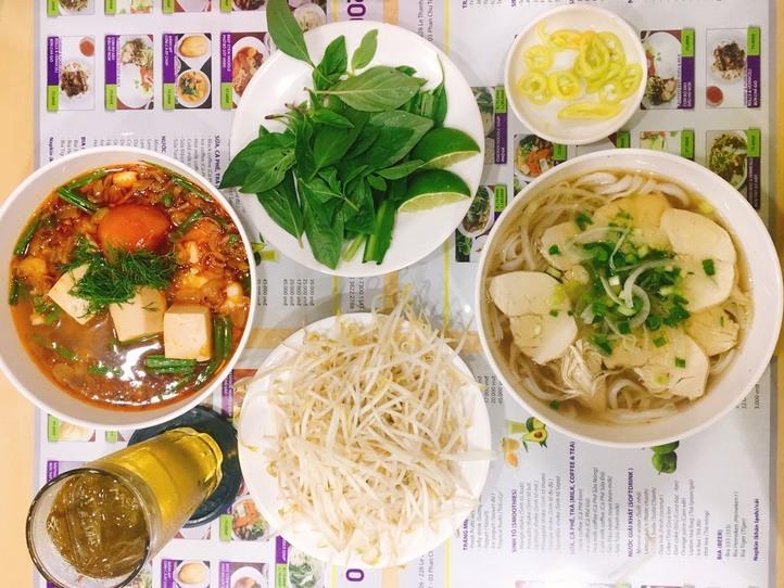 超ローカルの名店「Bay Hong(バイホン)」でベトナム風ヤギカレーを食べよう