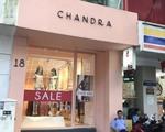 ユリスパ 「CHANDRA」という服飾店が見えますので、こちらの中に入ってください