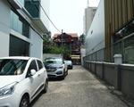 【移転】ザ・スシ・バー 1号店 サイゴンスクエア横の路地を入れば、すぐに店舗が見えてきます!