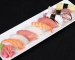 【移転】ザ・スシ・バー 1号店 にぎり寿司(9個盛り)