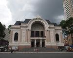 芽吹スパ 市民劇場(オペラハウス)からは、約700メートル、徒歩の場合は約10分の道のり。