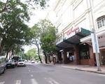 芽吹スパ 市民劇場を正面にして左手に、目の前のドンコイ通り(Dong Khoi)を150メートル進みます。