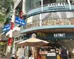 サワデカ・スパ 200メートルほどまっすぐ進むと、Mac Thi Buoi (マクティブオイ通り)に差し掛かります。深緑色のカフェが目印です。