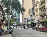 サワデカ・スパ Mac Thi Buoi (マクティブオイ通り)を進みます。